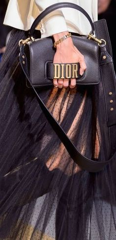 Dior SS 2017 Fashion show detail & more