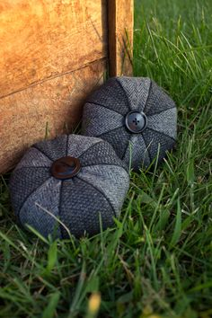 Penny Rug Series: Black & Grey Tweed and Herringbone Pinwheel Felted Wool Pincushion. Etsy.