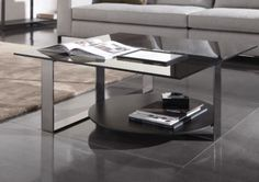 BRESSON - Designer Coffee tables from Minotti ✓ all information ✓ high-resolution images ✓ CADs ✓ catalogues ✓ contact information ✓ find your. Table Decor Living Room, Living Room Trends, Small Living Rooms, Living Room Designs, Living Room Furniture, Glass Top Coffee Table, Coffee Table Design, Coffee Tables, Unique Furniture