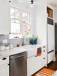 beveled subway tile for classic kitchen White Kitchen Backsplash, Kitchen Tiles, New Kitchen, Kitchen Cabinets, Kitchen Appliances, Backsplash Ideas, Kitchen Sink, Backsplash Tile, Gray Cabinets