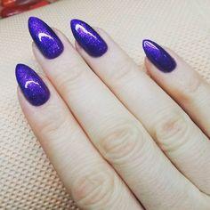 #my #new #nails #semilac #bluberrykiss #diamondcosmeticspoland #nailartwow #nailart #migdałki #paznokciehybrydowe #fiolet #drobinki #piekny ♡♡♡
