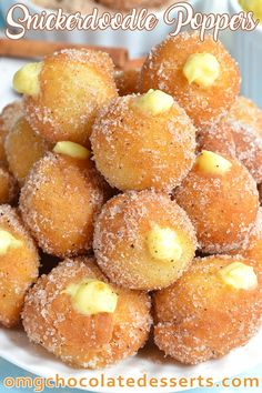 These fun snickerdoodle poppers are injected with vanilla pudding and always disappear so quickly when I bring them around parties. Köstliche Desserts, Delicious Desserts, Dessert Recipes, Yummy Food, Party Food Desserts, Chocolate Desserts, Vanilla Pudding Desserts, Donut Recipes, Baking Recipes