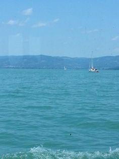 Sul traghetto verso l'Isola Polese. Johnny Cash - Rock Island Line http://www.deezer.com/track/79518436  #AlTrasimeno foto di @gplexousted