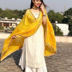 Shop online Fancy & Trendy Designer Salwar Suits, Salwar Kameez, Bridal Salwar Suits, Anarkali, Punjabi and Churidar Salwar Suits at best price in india. Indian Fashion Dresses, Dress Indian Style, Pakistani Dresses, Fashion Outfits, Pakistani Suits, Indian Skirt, Punjabi Salwar Suits, Woman Outfits, Fashion Ideas