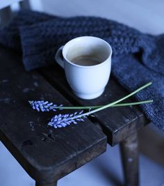 Winter essentials <3 Wool socks, a hot cup of coffee and fresh flowers <3 // @hetkiamaalla