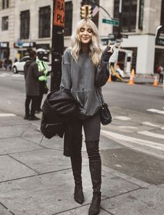 Cara Loren, Leather Pants, Casual, Clothes, Fashion, Leather Jogger Pants, Outfits, Moda, Clothing