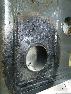 キッチン周りの掃除。高温蒸気清掃器で落ちるかなぁ…?