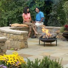 Build a Flagstone and Stone Block Patio Construct a poured concrete and stone patio with a curved stone wall. Patio Steps, Diy Patio, Backyard Patio, Backyard Arizona, Bluestone Patio, Flagstone, Backyard Projects, Outdoor Projects, Outdoor Ideas
