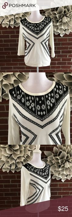 Lucy Laurel LS Aztec tribal Crewneck Sweater !Please see photos for all details and measure! This item comes from a smoke free home!! No rips, tears holes or stains to note!! Fast shipping!! Buy confidently!! THANKYOU for looking!! Happy shopping Anthropologie Sweaters Crew & Scoop Necks