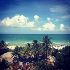 Miami...about to be my life in the next 2 hours..so needed #vacay