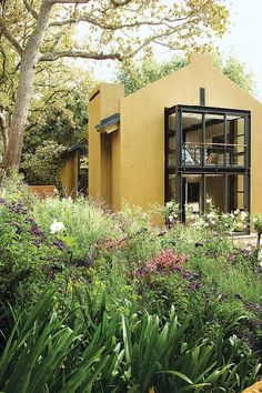 really interesting house in South Africa, check out the interiors