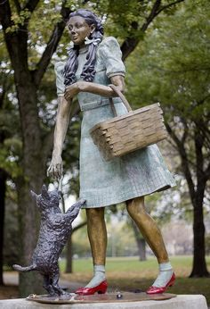 Dorothy, Toto and the whole gang can be found hanging out at Oz Park in Chicago, IL thanks to artist John Kearney. Have you ever paid them a visit?(photo: Mysealia)