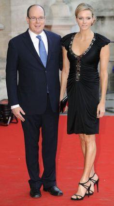 Charlene Wittstock y el Príncipe Alberto de Mónaco, en una exposición sobre…