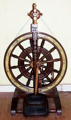 Betty Robert spinning wheel owned by diJeannene on ravelry