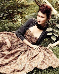 """Blooming Garden"" Vintage Inspired Fashion Editorial   Vogue Korea August 2010"