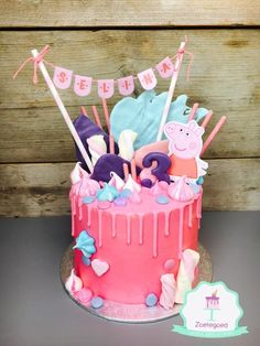 Peppa Pig Cake Ideas - Peppa Drip Cake Birthday Party Cake, Peppa Pig, George Pig, Daddy Pig, Mummy Pig, Peppa House, Muddy Puddle, Red Car, Dinosaur