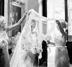 Tradiciones de boda, velo de novia para alejarla de las envidias