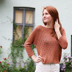 A summery sweater with a cute and romantic lace pattern on the body. A great summer knit in our bamboo yarn, which is soft, silky and cooling.