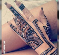 Abstract Henna Designs [BEE]