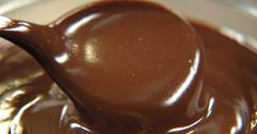 Remek csokimáz, ami könnyen elkészíthető, mindenféle süteményt be lehet vonni vele!
