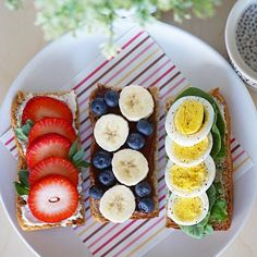 Brunch food table french toast 35 Ideas for 2019 Easy Brunch Recipes, Healthy Brunch, Clean Recipes, Healthy Recipes, Healthy Snacks, Brunch Bar, Brunch Food, Fruit Sandwich, Brunch Table Setting