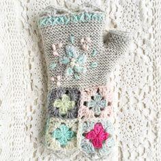mixed media crochet art gloves ༺✿Teresa Restegui http://www.pinterest.com/teretegui/✿༻
