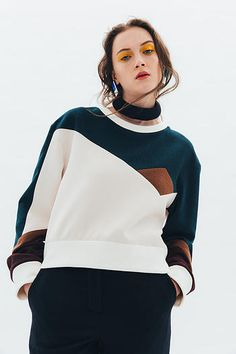 The Darker Horse: Color Blocking Fashion Colours, Colorful Fashion, Fashion Details, Fashion Design, Sport Fashion, Fashion Outfits, Womens Fashion, Fashion Trends, Fashion Top