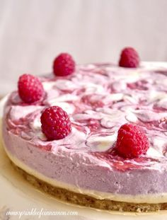 Tasty raw raspberry cake made without any sugar, flour, dairy or eggs. You won't feel guilty enjoying a slice of this amazing cake. #raw #cake #healthy