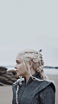 Trendy Games Of Thrones Daenerys Targaryen Dragon Dessin Game Of Thrones, Arte Game Of Thrones, Game Of Thrones Facts, Game Of Thrones Funny, Emilia Clarke, Got Jon Snow, Game Of Trone, Game Of Throne Daenerys, My Champion
