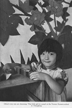 """A photograph by Cecil Beaton entitled """"China's Tiny Tots are Charming"""".    ladfish.com"""