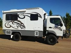 Host expedition campers Mitsubishi Fuso 4x4 http://www.hostcampers.com/subs/Expedition/outback_explorer.html