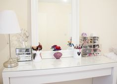Make up room corner