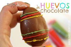 Decorar huevos de chocolate con los peques.
