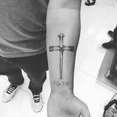Tattoo cruz