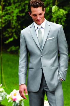 This popular Perry Ellis Platinum is made from soft super 100's wool with matching flat front trousers.