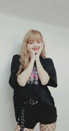 Kpop Girl Groups, Korean Girl Groups, Kpop Girls, Lisa Bp, Blackpink Jennie, Tumbrl Girls, Lisa Blackpink Wallpaper, Black Pink Kpop, Blackpink Photos