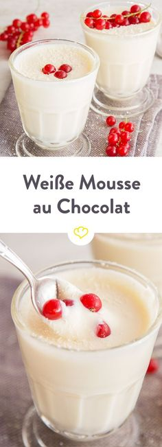Clouds for dessert: white chocolate mousse - Caution addictive! With the airy, light texture and a good dose of white chocolate, it is difficult - Dessert Mousse, Dessert Oreo, Dessert Bowls, Baking Recipes, Dessert Recipes, White Chocolate Mousse, Cakes And More, Chocolate Desserts, Sweet Recipes