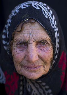 Old Kurdish Woman, Palangan, Iran (Eric Lafforgue | Flicker)