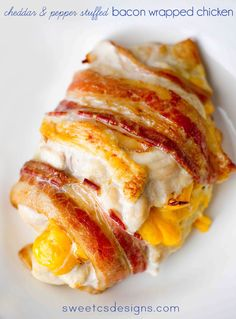 Cheddar and pepper stuffed bacon wrapped chicken- this is the most delicious, easy meal you can make! The technique at sweetcsdesigns helps keep chicken moist and flavorful in the oven #chicken #bacon