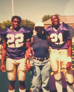 #throwbackthursday all the way back to 1999. So long ago but feels like just yesterday I  played RB and wore the Purple and Gold #22. Glory Days indeed lol. #highschoolfootball #dentonhighschool #purpleandgold #footballlife #glorydays #fitnessaddict #fitfreak #guyswholift #betterbodies #training #backintheday #throwback #runningback #dentontexas #dhs #motofit #fitnesslifestyle #boysoffall #football #pigskin #fridaynightlights by iangaines