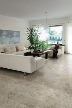 Simple dining room design in neutral colors with travertine tiles #travertine #floor #home #exterior #naturalstone #decor #tiles