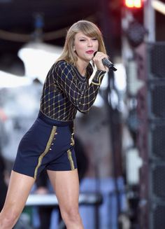 Taylor Swift Blank Space Music Video Accomplice blushes on Set - I4U News