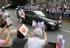 Philippine leader gives red-carpet welcome to Japan emperor