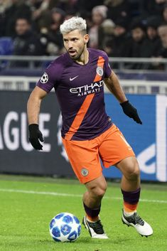 Sergio Aguero of Manchester City in action during the Group F match of the UEFA Champions League between Olympique Lyonnais and Manchester City at Groupama Stadium on November 2018 in Lyon,. Get premium, high resolution news photos at Getty Images Good Soccer Players, Football Players, Manchester City Logo, Sergio Aguero, Kun Aguero, Messi And Ronaldo, Barclay Premier League, Football Boys, Soccer World