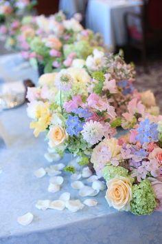 Wedding Table Decorations Pastel Centerpieces Ideas For 2019 Country Wedding Centerpieces, Wedding Reception Decorations, Flower Centerpieces, Flower Decorations, Flower Arrangements, Reception Seating, Pastel Flowers, Bridal Flowers, Colorful Flowers