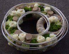 Artist and designer Stéphane Brassart Funeral Flower Arrangements, Funeral Flowers, Floral Arrangements, Deco Floral, Arte Floral, Floral Design, Contemporary Flower Arrangements, Fleur Design, Leaf Flowers