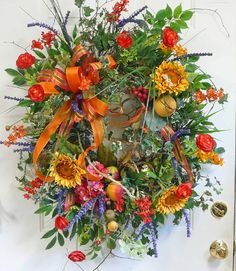 early fall wreath/late summer...I just love the mix of colors in this wreath. I want one!