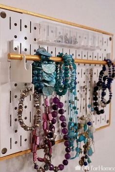 How to Make DIY Pegboard Jewelry Storage Holder. Tired of your messy jewelry? make an easy pegboard DIY for your bedroom or closet. #hometalk