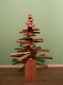 Kerstboom sloophout gestapeld