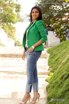 Keerthi-Suresh-in-green-dress-stills-(9)6741.JPG 999×1,499 pixels